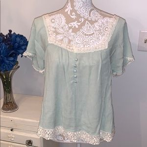 🥰Cute Lacey top
